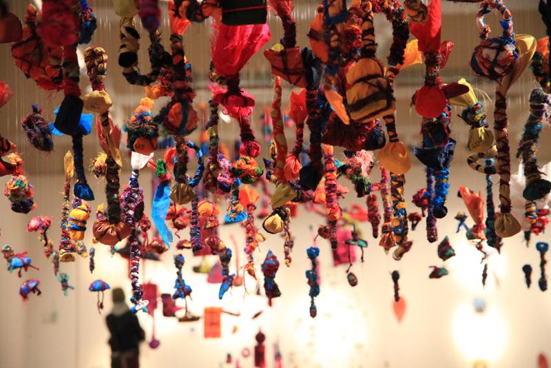 The Gifts 100-999, (Alinah Azadeh, 2010)
